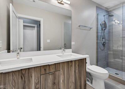 Bathroom Wabash (1)