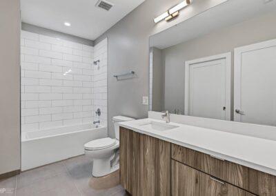 Bathroom Wabash (2)
